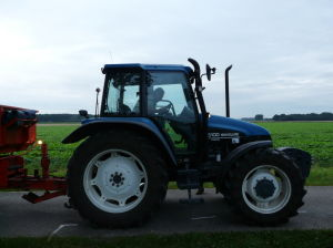 New Holland TS 100 In Actie