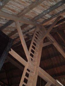 Vaste Ladder In Schuur